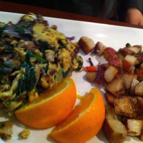 Spinach & Mushroom Scramble & Potatoes - Green Street Restaurant, Pasadena, CA