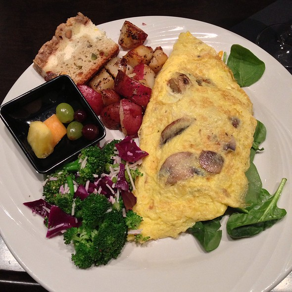 Spinach Omelette - Tano Bistro & Catering, Loveland, OH