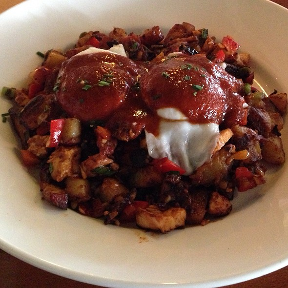 Bbq Chicken And Andouille Sausage Hash - Green Street Restaurant, Pasadena, CA