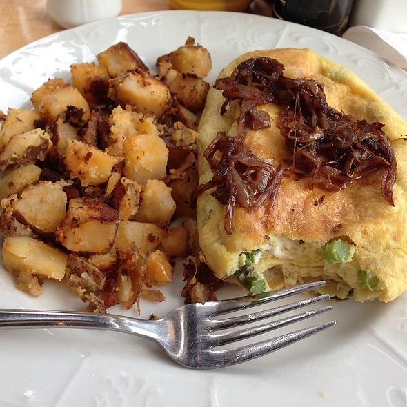Asparagus And Goat Cheese Omelette - Sava's, Ann Arbor, MI