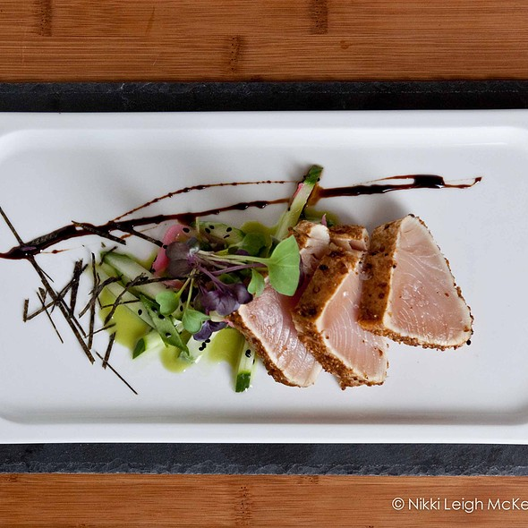 Tuna tataki - Quinn's Steakhouse & Irish Bar, Toronto, ON