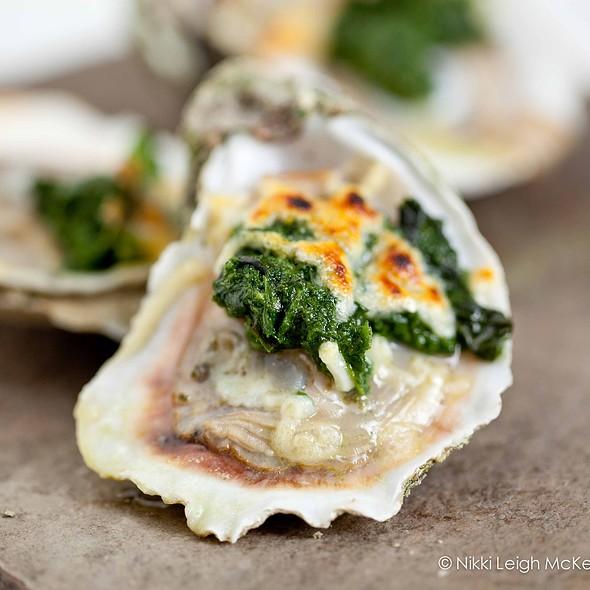 Oysters - Quinn's Steakhouse & Irish Bar, Toronto, ON