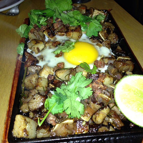 Sizzling Sisig - Pig and Khao, New York, NY