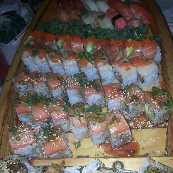 Windermere Sushi Boat - Amura - Dr. Phillips, Orlando, FL