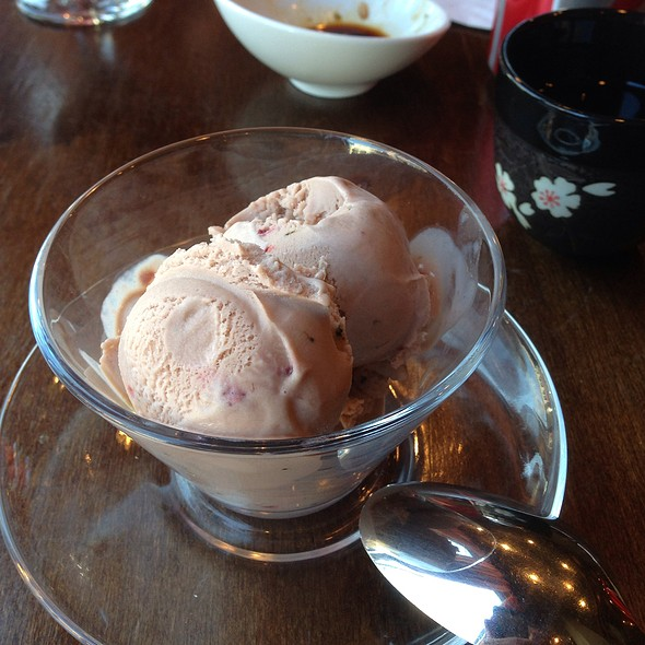 Raspberry Green Tea Ice Cream - Kansaku, Evanston, IL