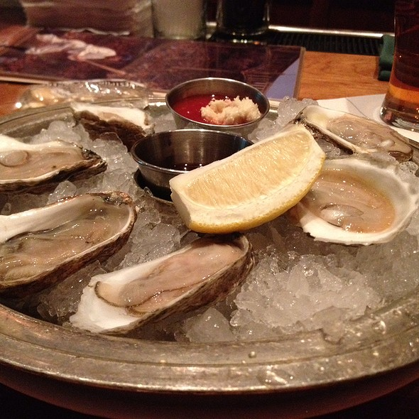 Wellfleet Oysters - Clyde's of Gallery Place, Washington, DC
