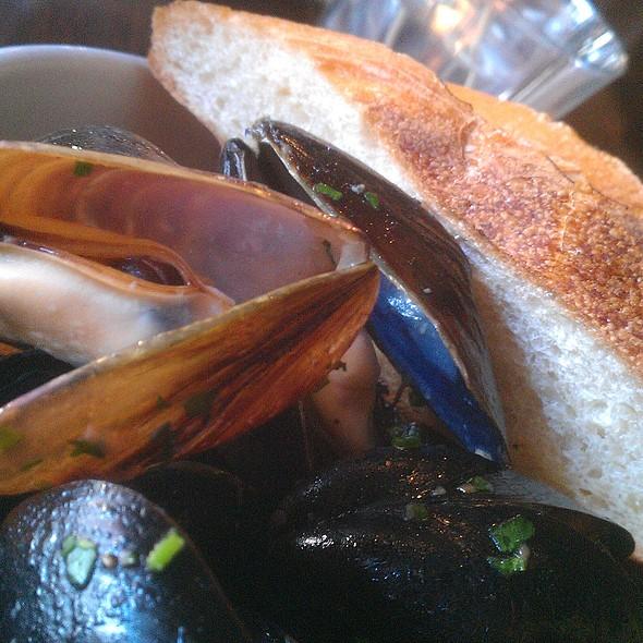 Mussels - Tannin Wine Bar and Kitchen, Kansas City, MO