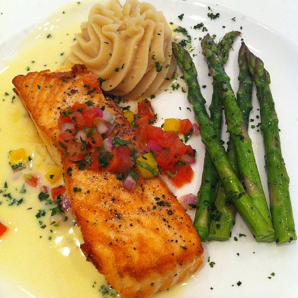 Salmon, Asparagus & Mashed Potatoes - Arizona Inn - Dining Room, Tucson, AZ