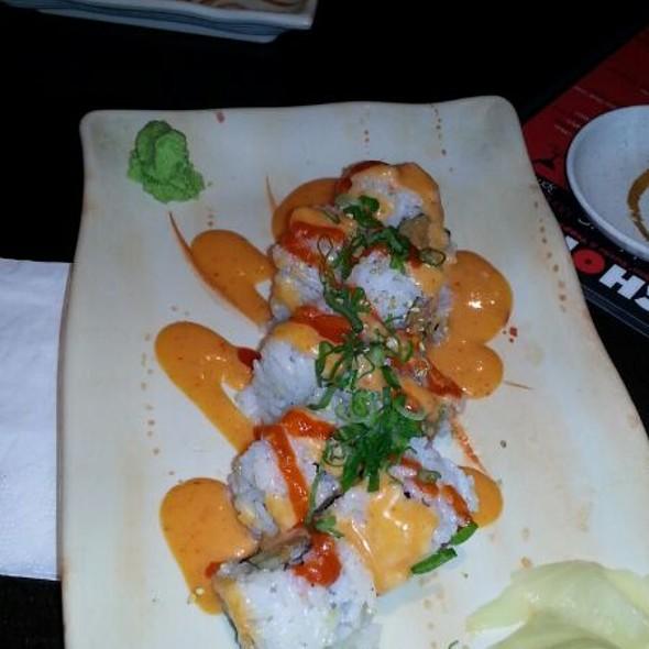 Spicy Albacore Roll - Chomp, Fullerton, CA