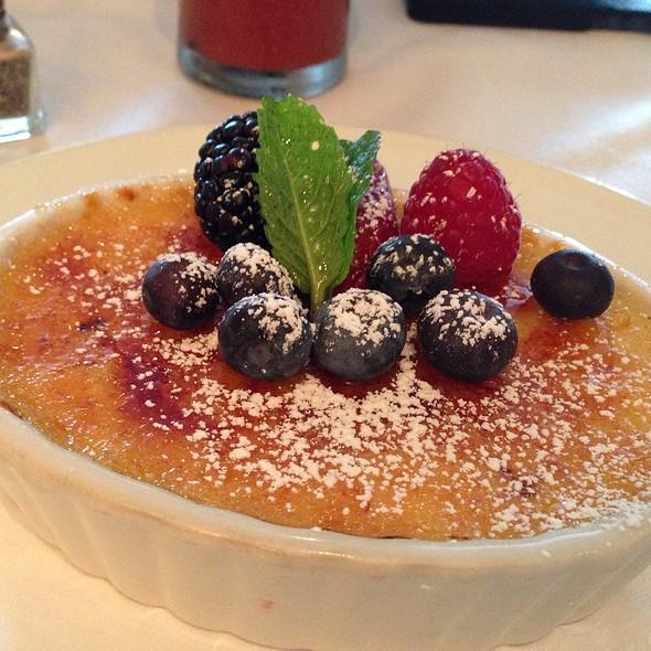 Créme Brulé - Brasserie 19, Houston, TX