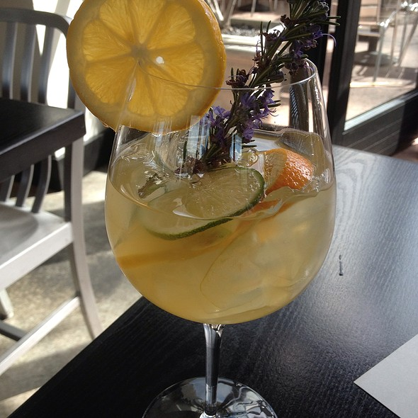 White Sangria - The Q Restaurant & Bar (fka BarBersQ), Napa, CA