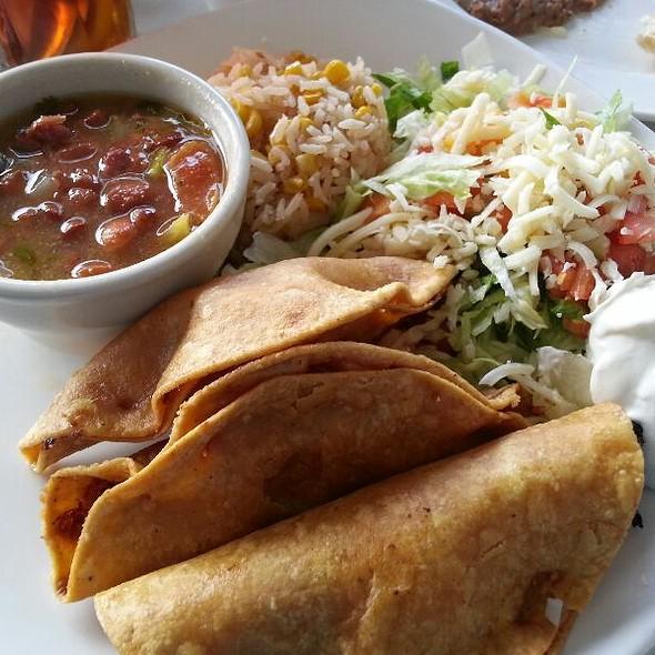 Tacos de Pollo - La Calle Doce, Dallas, TX