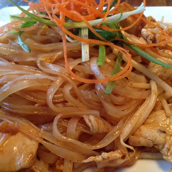 Chicken Pad Thai - Summer Summer Thai Eatery, Emeryville, CA