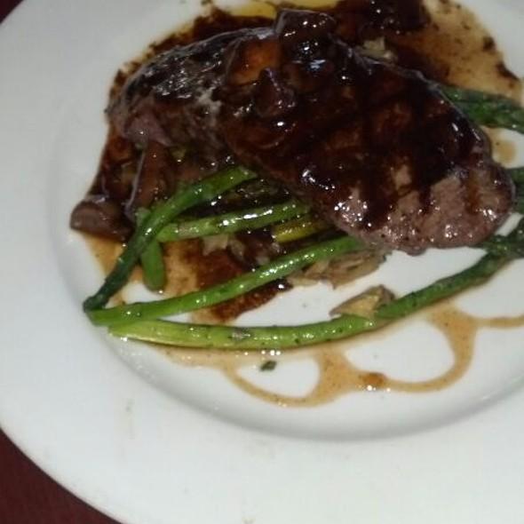 New York Steak - Elliott's Oyster House, Seattle, WA