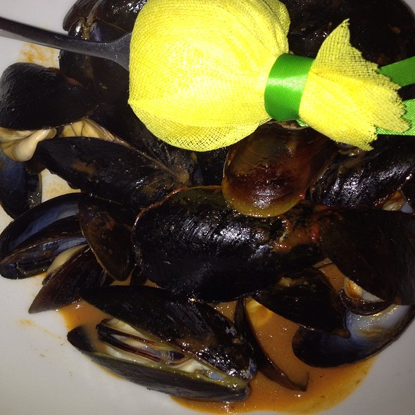 Mussels - Ophelia's on the Bay, Sarasota, FL