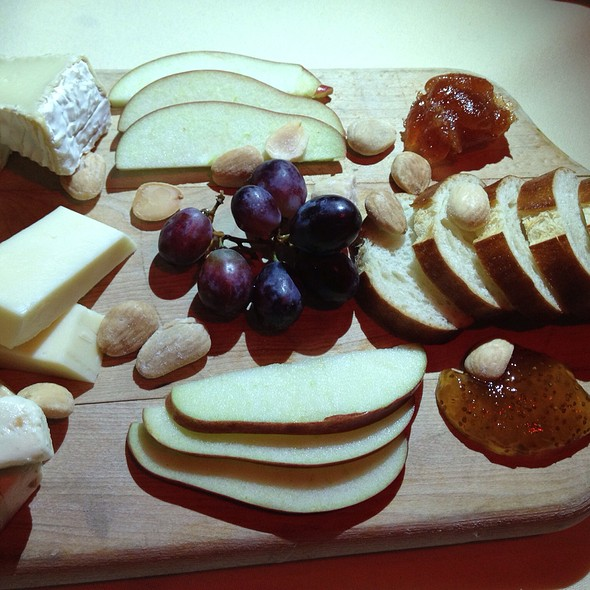 Cheese Flight - Geja's Café, Chicago, IL