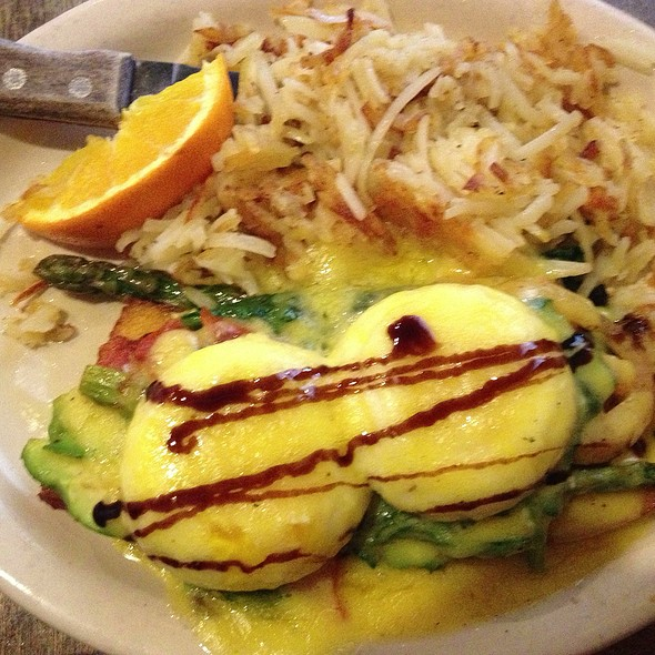 Veggie Eggs Benedict - Westside Cafe, Vail, CO