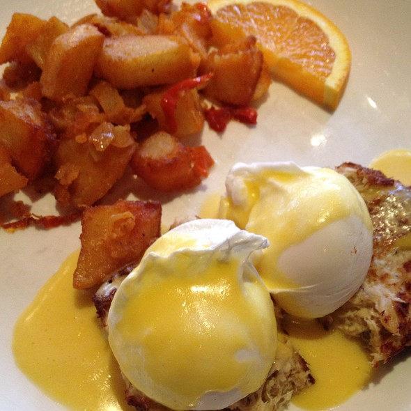 Crab Cakes Benedict - Knickerbocker Bar and Grill, New York, NY