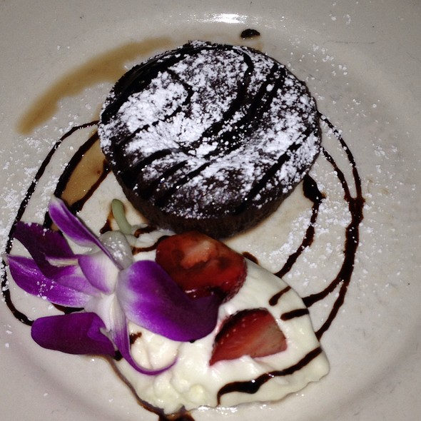 Molten Chocolate Cake - London Lennies, Rego Park, NY