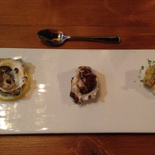 Oysters - The Fat Cow and Oyster Bar, Langley, BC