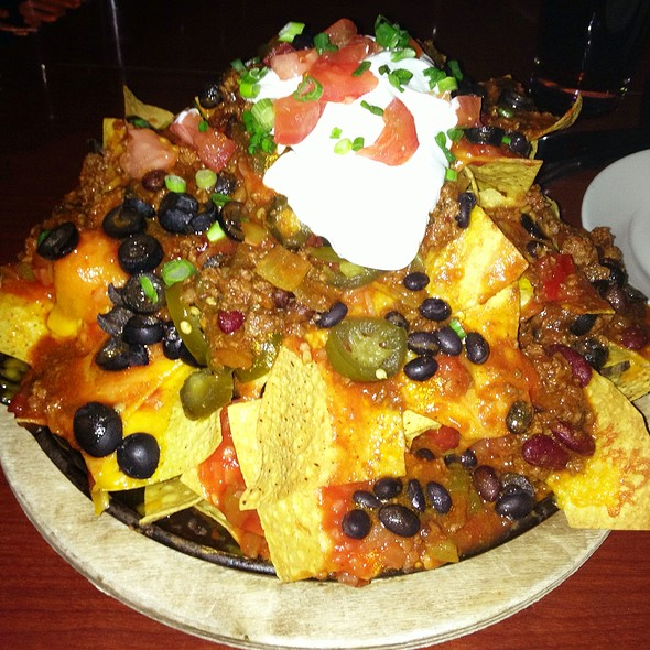 Nachos - Lucky's Lounge, Boston, MA