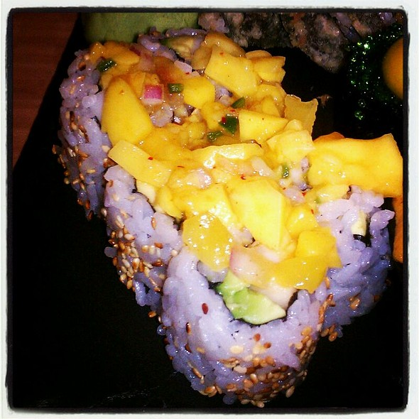 Mango Roll - Screaming Tuna, Milwaukee, WI