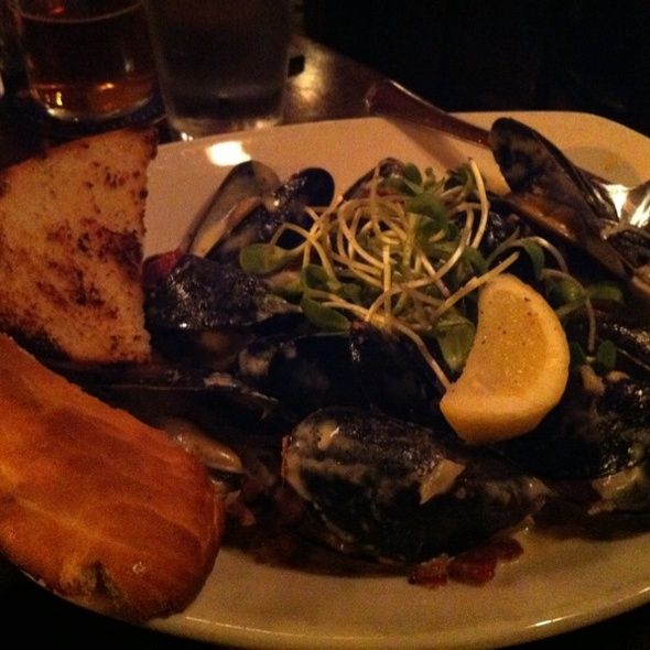 Steamed Mussels - Penny Farthing Pub, Victoria, BC