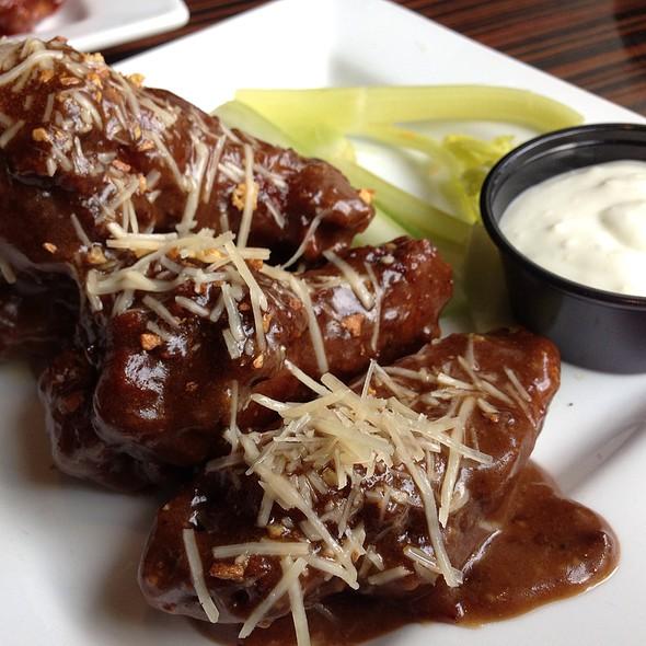 Parmesan Garlic Wings - Landmark Americana - University City, Philadelphia, PA