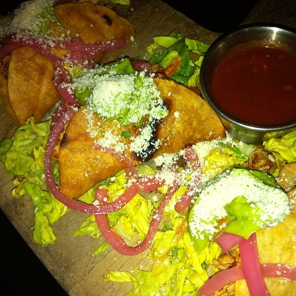 Taco Trio - The Six - WLA, Los Angeles, CA