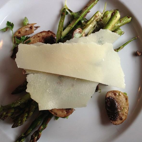 Asparagus And Mushrooms - Vin48 Restaurant Wine Bar, Avon, CO