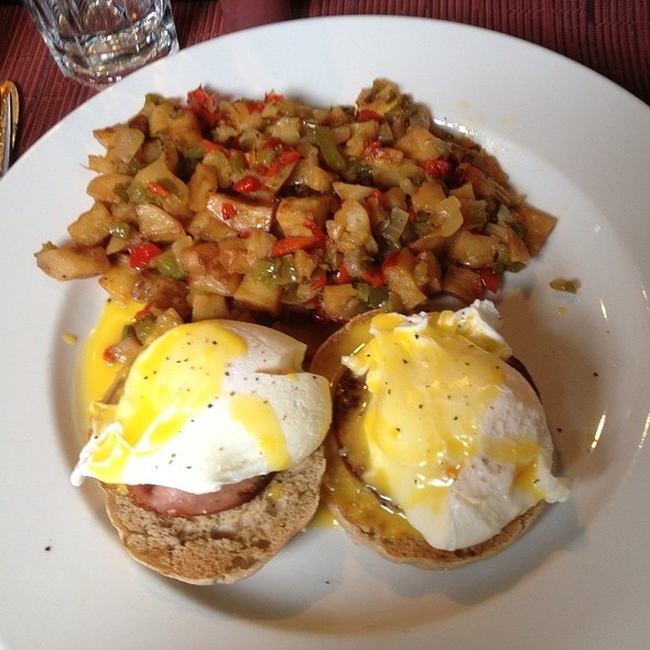 Eggs Benedict - Emma's Ale House, White Plains, NY