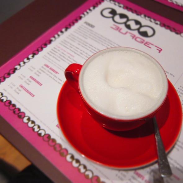 Skinny Cappuccino - Luna Burger, Frankfurt am Main, HE