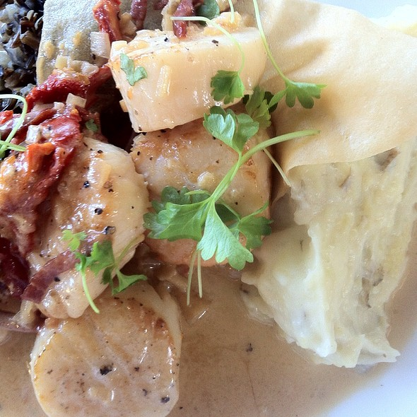 Scallops - 619 Ocean View Restaurant, Ponte Vedra Beach, FL