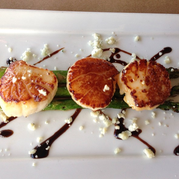 Grilled Scallops - Morgan Creek Grill, Isle Of Palms, SC