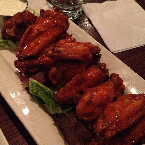 Buffalo Wings - Croton Reservoir Tavern, New York, NY