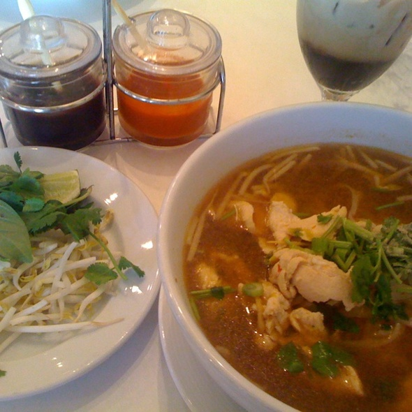 Chicken Pho - Bangkok West, Santa Monica, CA