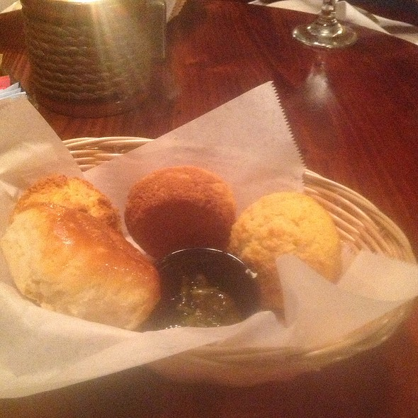 Bread Basket - The Pirates' House, Savannah, GA