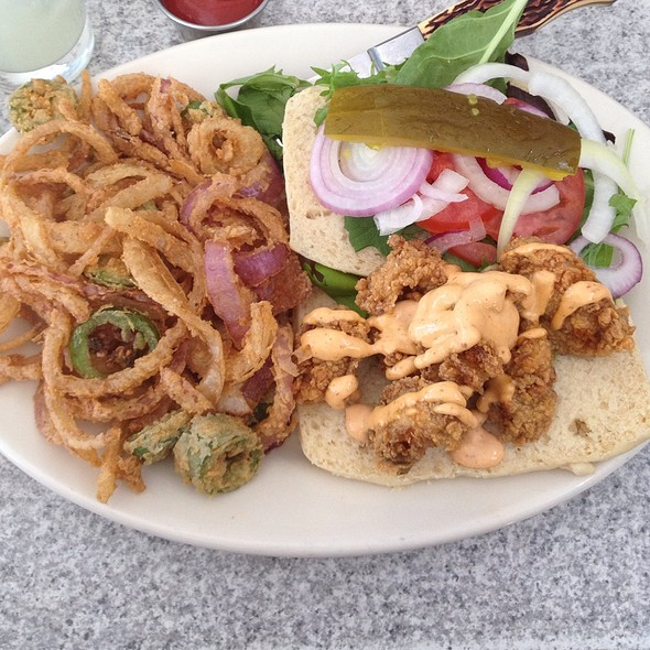 Crispy Oyster Sandwich And Onion Rings - Ranch 616, Austin, TX
