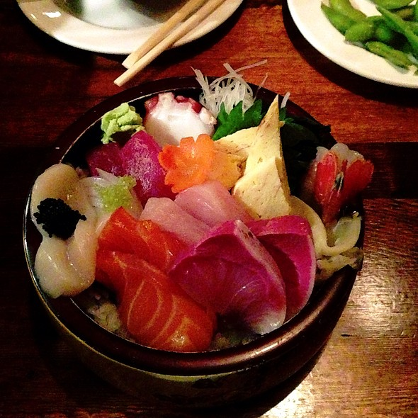 Chirashi - Umi Sake House, Seattle, WA