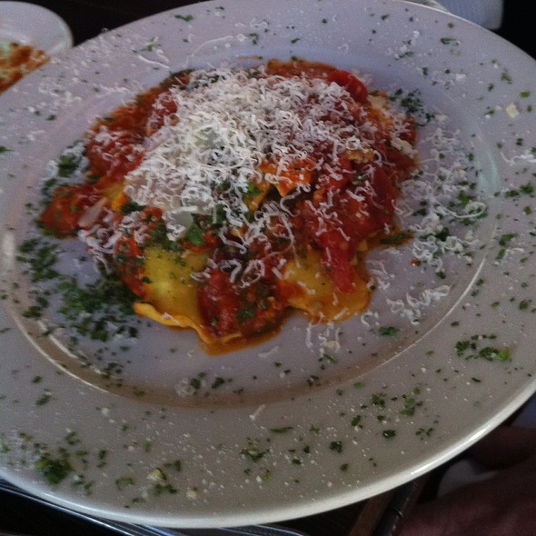 Ravioli Con Salsiccia E Broccolini - Francesca's al Lago, Madison, WI