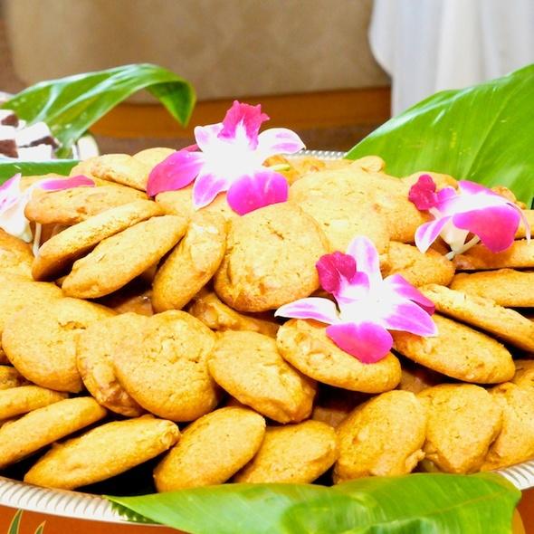 Macadamia Nut Cookies - Star of Honolulu - Premier Whale & Lunch, Honolulu, HI