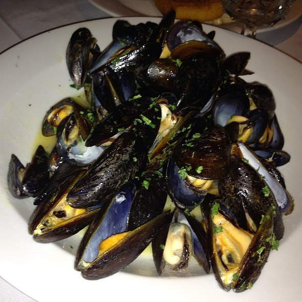 Mussels with White Wine and Garlic - Pace's Steak House - Hauppauge, Hauppauge, NY