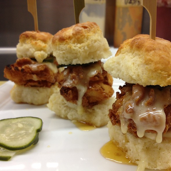 Chicken and biscuits - Wolfgang Puck Bar & Grill - LA Live, Los Angeles, CA