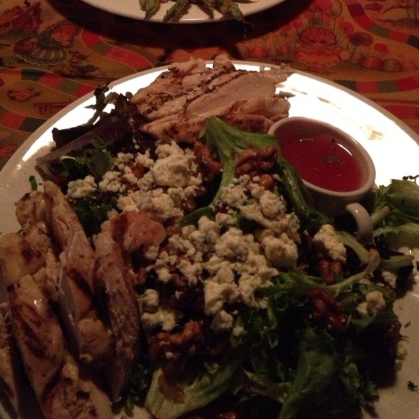 Goat Cheese & Pecan Salad - Bistro 185, Cleveland, OH