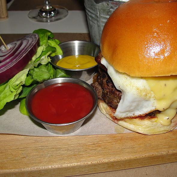 Signature Burger - Delicatessen, New York, NY