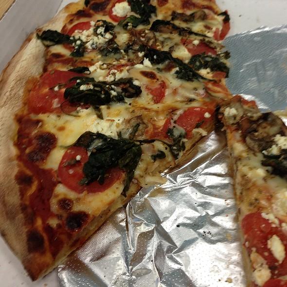 La Spinach Pizza - Vito's Sicilian Pizzeria & Ristorante, St. Louis, MO