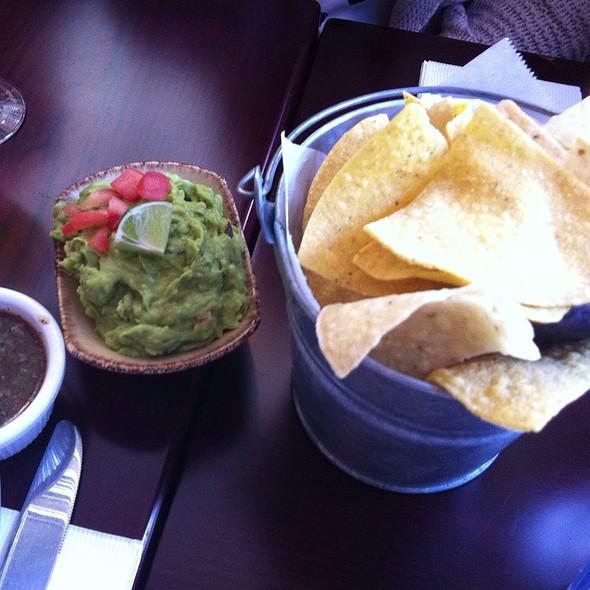 Guacamole and Chips - El Camion, New York, NY