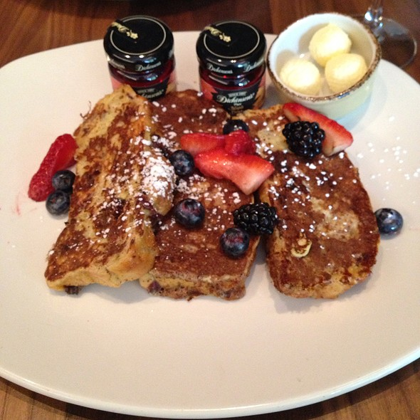 Cranberry French Toast - Trademark Drink + Eat, Alexandria, VA