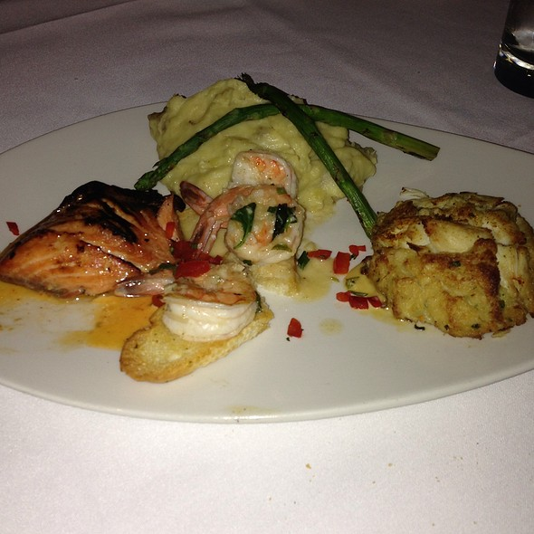 Mixed Seafood Grill - Shrimp, Seafood, Trout, Calamari, Salmon, Lobster, Crab - Chart House Restaurant - Weehawken, Weehawken, NJ