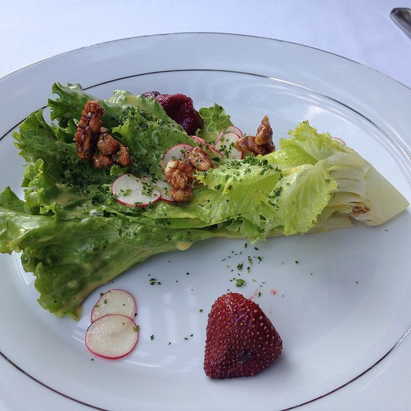 Tropicana Spear With Radish And Candied Pecans - Restaurant Gwendolyn, San Antonio, TX